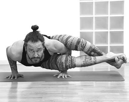Taller De Vinyasa Yoga Avanzado O Posturas Avanzadas